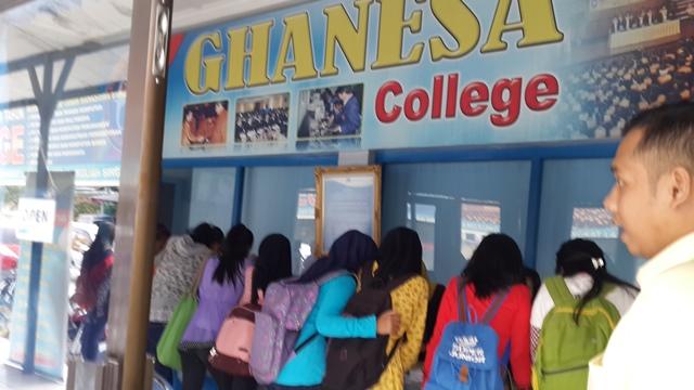 Kursus di Samarinda - Ghanesa College - Desain Grafis Samarinda TerbaikKursus di Samarinda - Ghanesa College - Akutansi Samarinda Terbaik