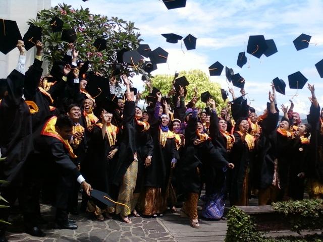 Kursus di Samarinda - Ghanesa College - Desain Grafis Samarinda TerbaikKursus di Samarinda - Ghanesa College - Perpajakan Samarinda Terhebat