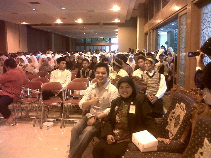 Bersama Ghanesa Group....2000an siswa Doa Bersama agar mereka Lulus UAN..