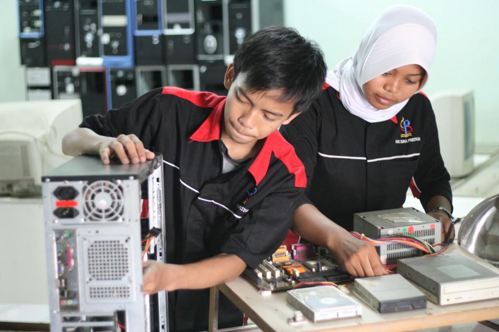 Apa Yang Di Pelajari Teknisi Komputer